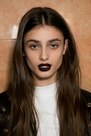 dark-red-lipstick-goth-makeup