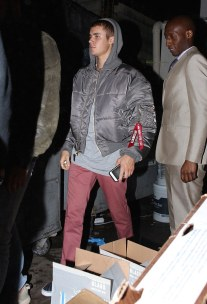 Justin-Bieber-Vetements-Alpha-Industries-jacket-2